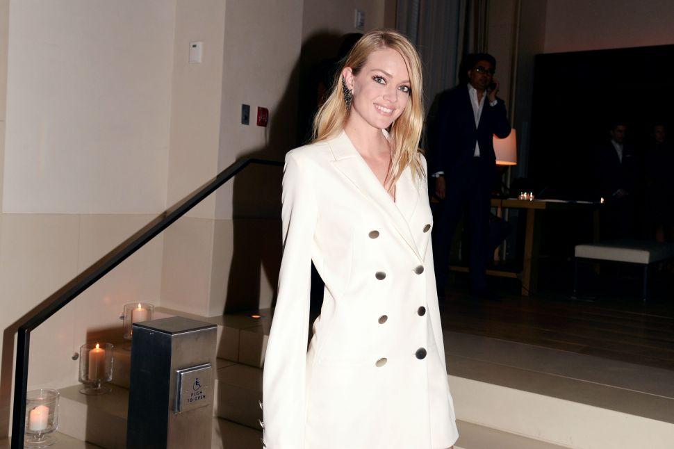 Victoria's Secret Model Lindsay Ellingson Is Strutting Away From West Chelsea