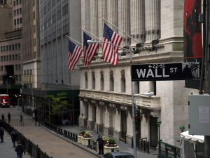 The New York Stock Exchange (NYSE) stands in lower Manhattan on May 16, 2016 in New York, New York. While global stocks stalled on news from the Chinese economy, the Dow Jones Industrial Average rose 100 points, or 0.6%, to 17635 in morning trade.