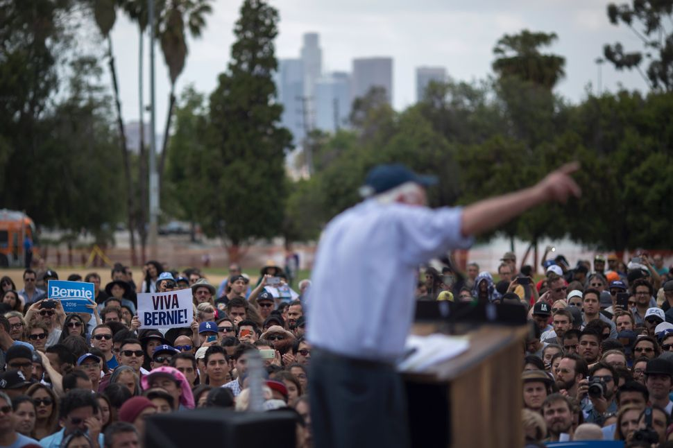 'Bernie or Bust' Movement Grows as Clinton Polls Tank