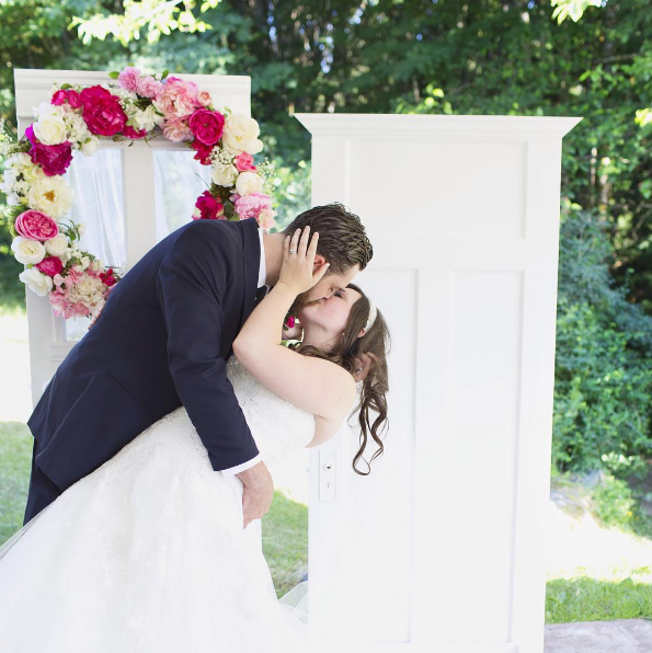 'Hey, What's Up?' Might Actually Lead to Marriage