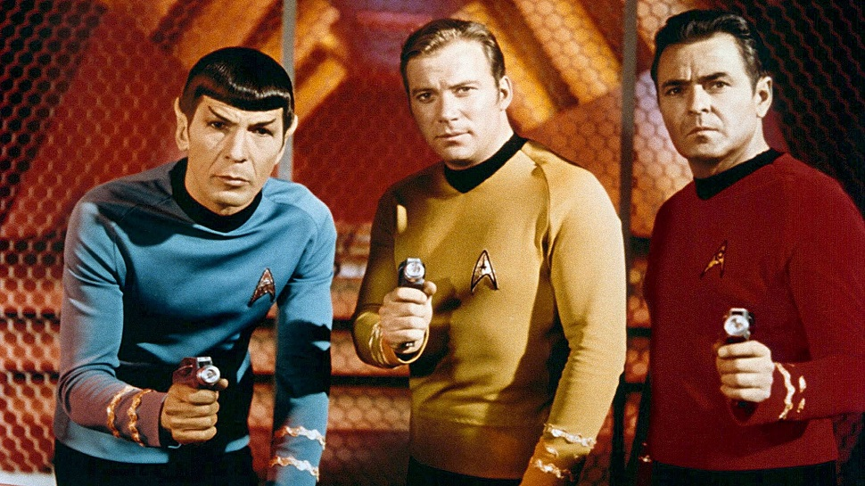 A Millenial Reviews: 'Star Trek' Is a Blatant, Boring Rip-Off of 'Star Wars'