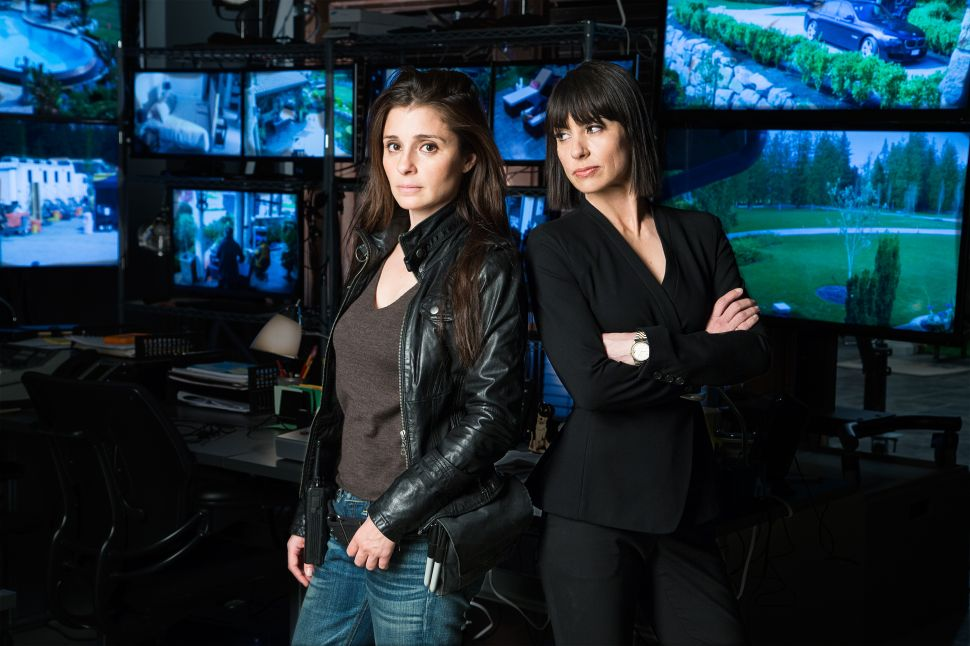 UnREAL's Costume Designer Discusses the Beyond Bonkers Second Season