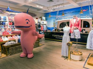 Vineyard Vines Grand Central Flagship Store