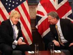 Boris Johnson, then the mayor of London, meets with New York City Mayor Bill de Blasio in 2015. Johnson was a high-profile supporter of Brexit.