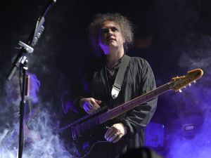 NEW YORK, NY - JUNE 18: Robert Smith of The Cure performs on stage at Madison Square Garden on June 18, 2016 in New York City. (Photo by Neilson Barnard/Getty Images)
