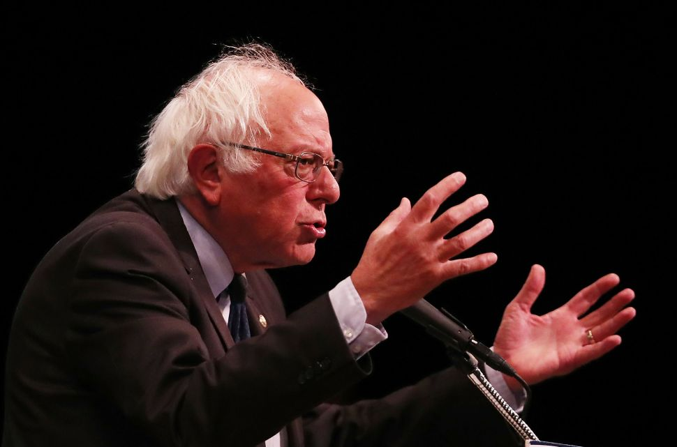 Bernie Sanders Should Endorse and Support Hillary Clinton