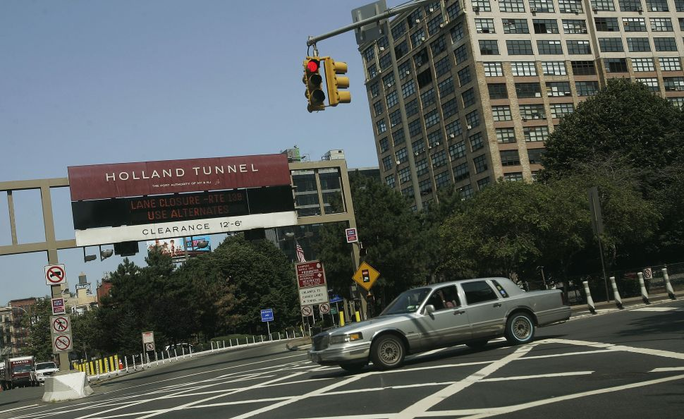 Afternoon Bulletin: Arrest at Holland Tunnel, 9/11 Tribute Expansion
