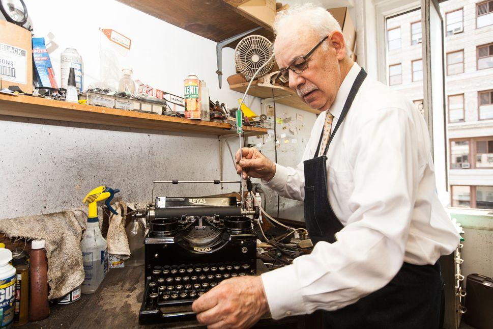 A Low-Tech Renaissance Boosts One of New York's Last Typewriter Repairmen