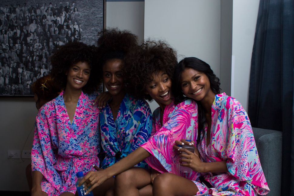 Lilly Pulitzer and Stila Teamed Up for a Perfectly Preppy Resort Presentation