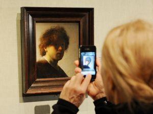 phone in art gallery