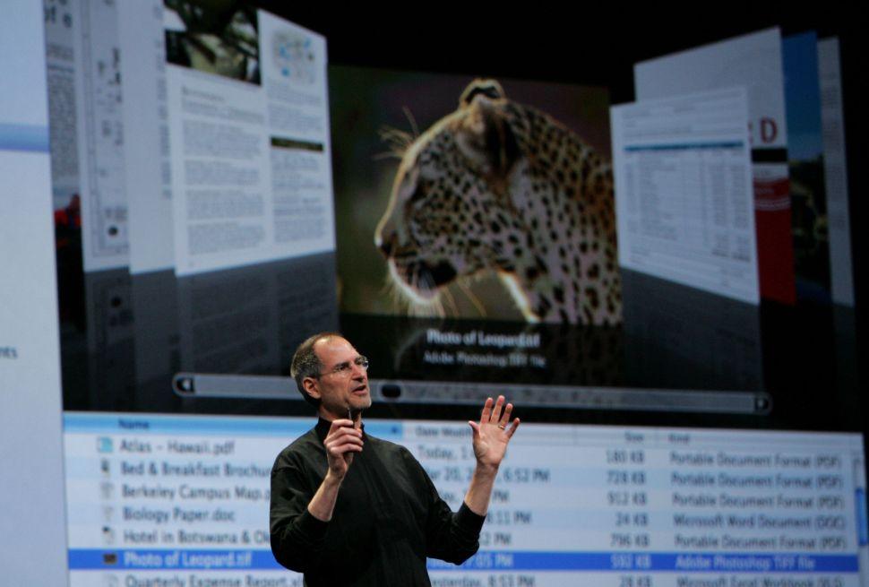 Clinton Endorses Patent Venue Reform as Apple Takes $25M Hit