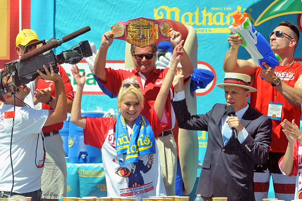 Afternoon Bulletin: Women Dominate Nathan's Hot Dog Contest and More