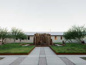 The interior courtyard of Robert Irwin's untitled installation