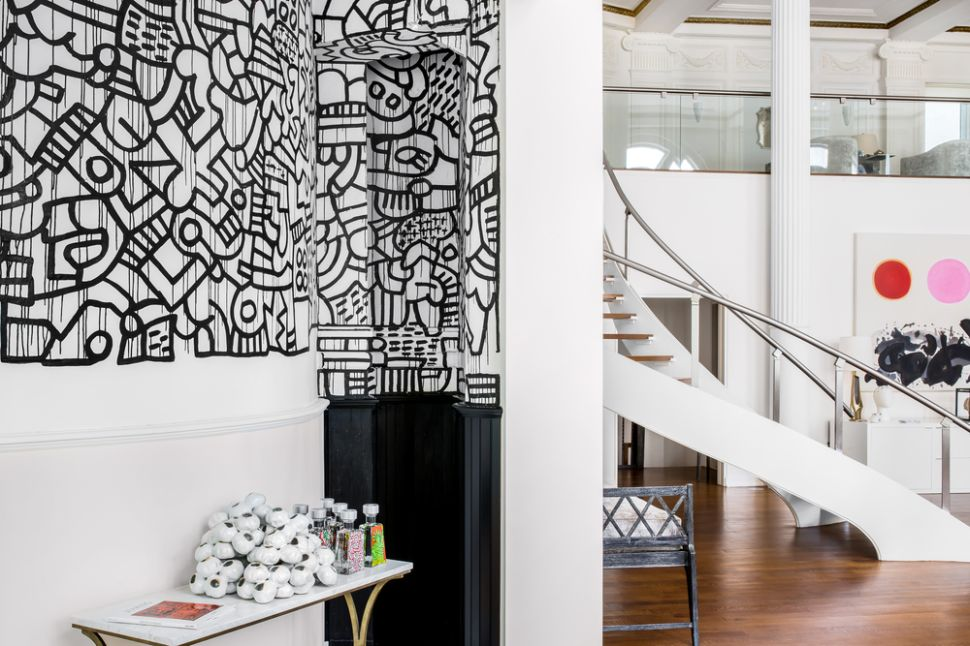 That Tribeca Triplex With an Original Keith Haring Mural Is Now a 'Steal'