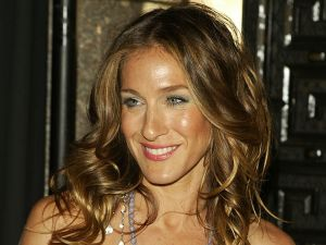 Sarah Jessica Parker tames her iconic curls with Magic Sleek.