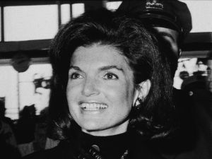 Jacqueline Kennedy Onassis resided in a fifteenth-floor apartment in the building until her death.