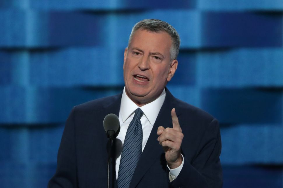 De Blasio Rants Against the Media and 'Wealthy Interests' as Grand Juries Weigh Charges