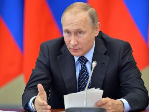 Russian President Vladimir Putin chairs a State Council Presidium meeting on measures to make Russian rehabilitation, spa and resort establishments more attractive investment projects in the town of Belokurikha on August 26, 2016.