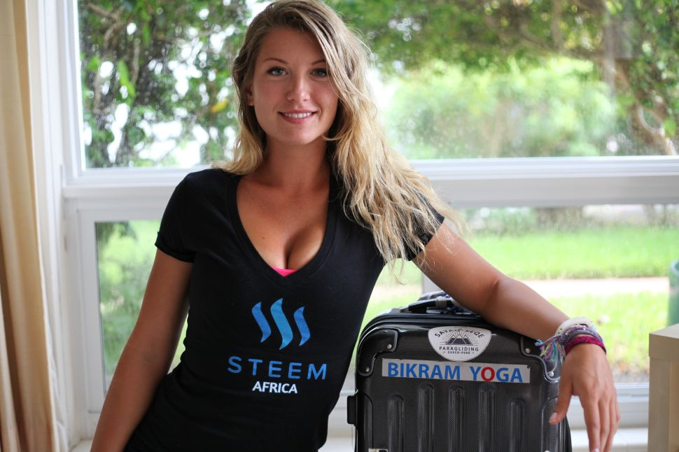 Social Media-Powered Cryptocurrency Pays for This Woman's Solo Globetrotting