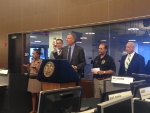 Mayor Bill de Blasio discusses the excessive heat that will hit the city this weekend.
