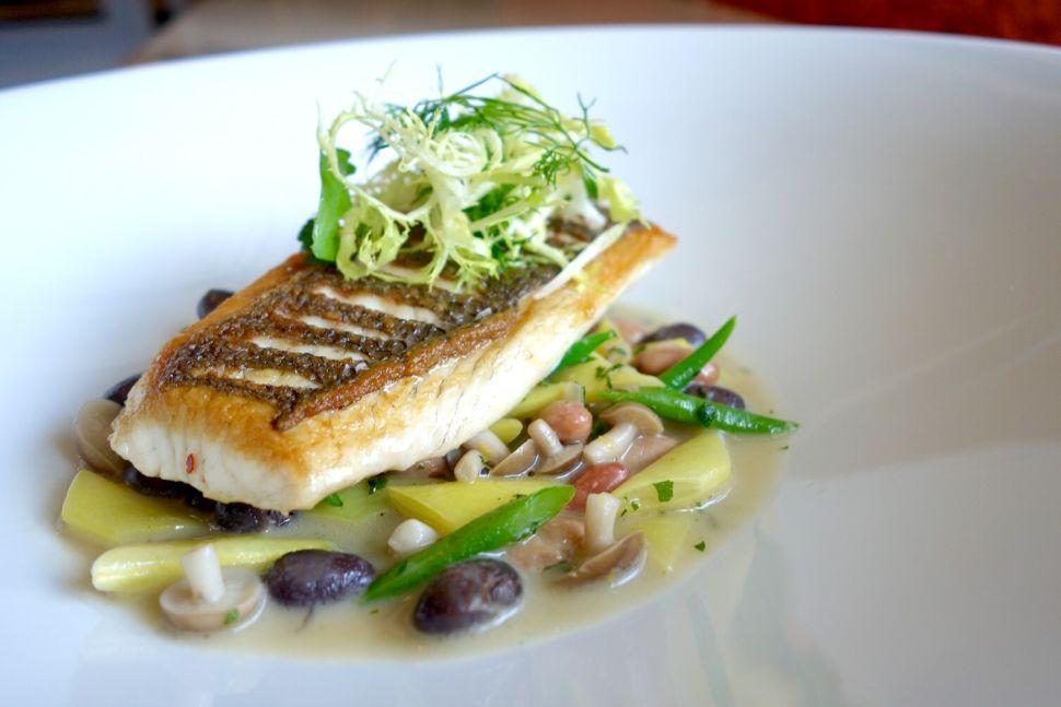 Pasadena Gets Lost at Sea, a Dream of a Restaurant