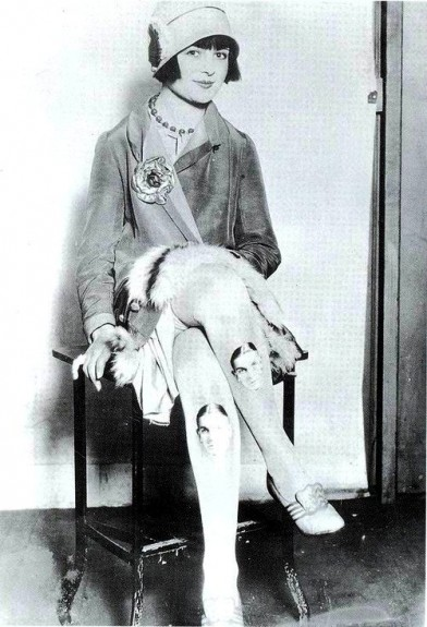 How to Wear Stockings Like A 1920s Flapper