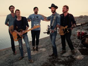 Band of Horses (Ben Bridwell's the dude in the hat)
