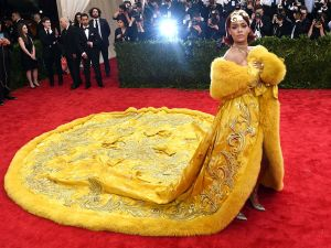 Rihanna arrives at the 2015 Metropolitan Museum of Art's Costume Institute Gala.