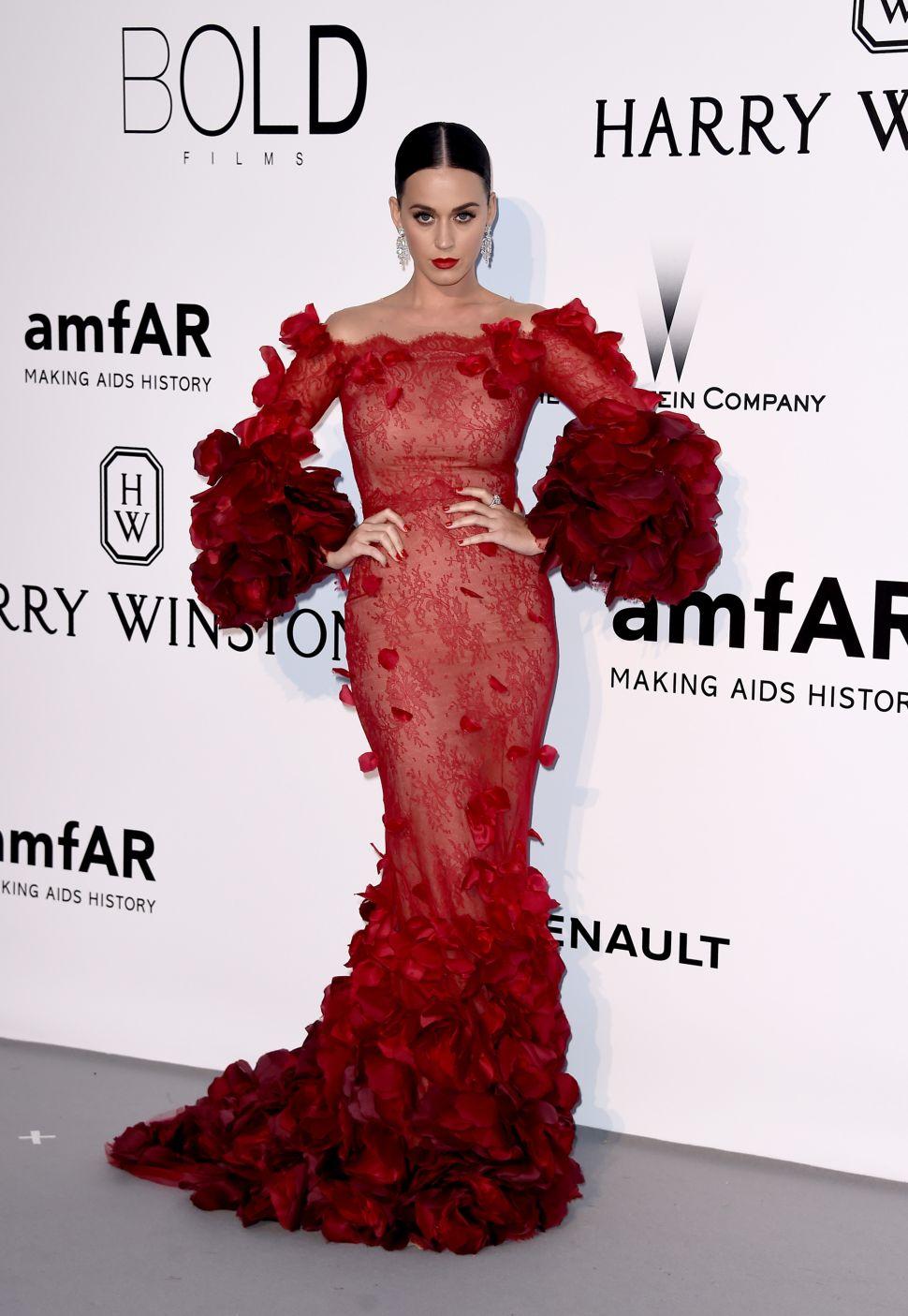 Katy Perry Expands Fashion Brand, Barneys Unveils Artsy Margiela Windows