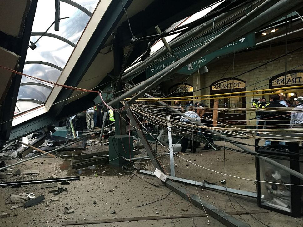 Afternoon Bulletin: Deadly NJ Train Crash, Cocaine Fudge and More