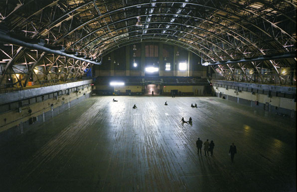 Professional Mourners Perform at Park Avenue Armory, Jewelry Auctions' Bright Future