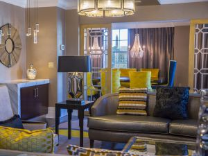 The Mayflower Hotel Presidential Suite