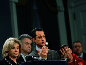 Then-Congressman Anthony Weiner flanked by Congresswoman Carolyn Maloney and Congressman Peter King at a press conference on the Zadroga Act in 2010.