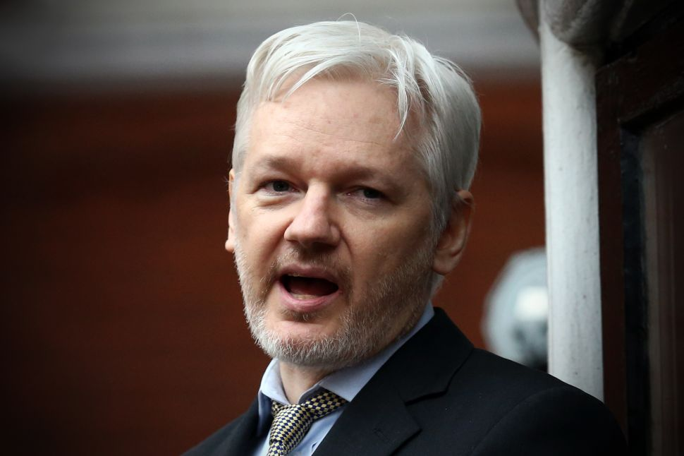 WikiLeaks Doesn't Want Reporters Covering Julian Assange's 'Poor Personal Hygiene'
