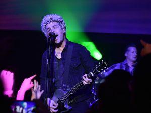 Billie Joe Armstrong performs at Geezer premiere.