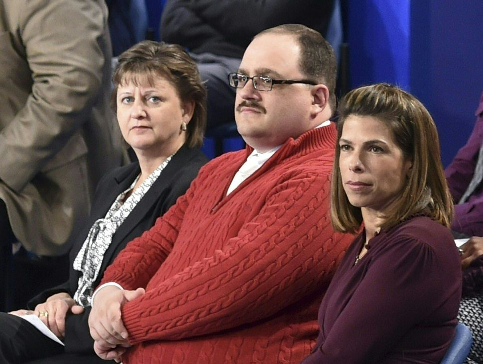 'Ken Bone and Chill' Is Leaving Everyone's Favorite Netflix Pickup Line in the Dust