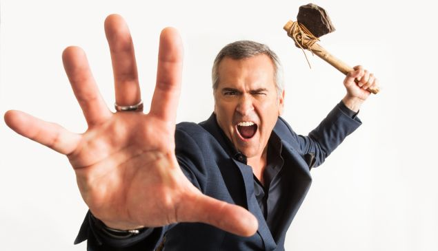 Bruce Campbell.