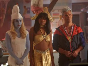 Emma Roberts, Keke Palmer and Taylor Lautner in Scream Queens.