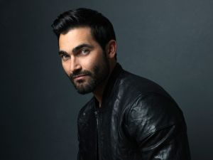 TYLER HOECHLIN , ACTOR