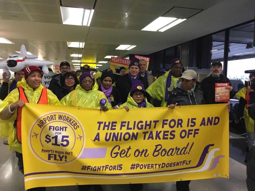 Watch: NJ Gov Hopeful Wiz Marches With Airport Workers at Newark Liberty