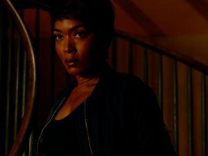 Angela Bassett as Lee.