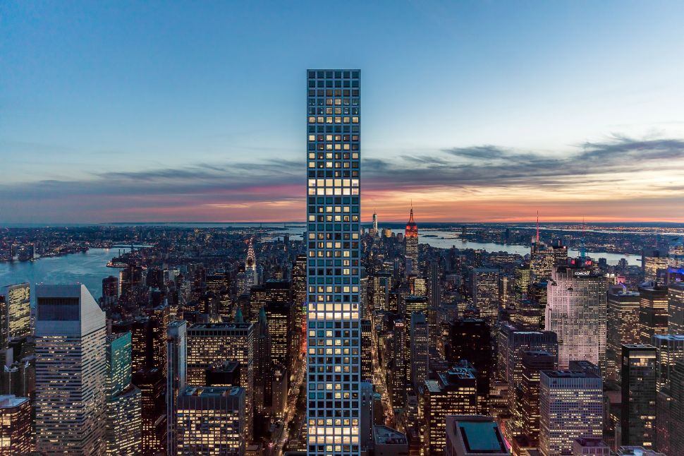 There Is No Escaping the Evening Light Show at 432 Park