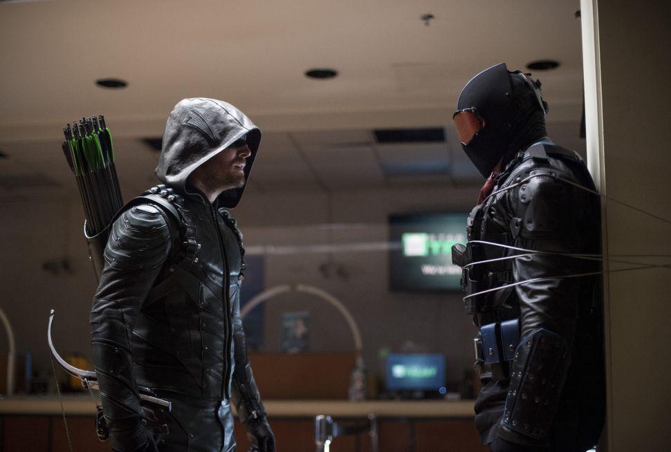 'Arrow' Review 5×07: Who Vigilantes the Vigilante?