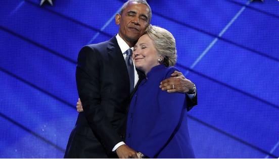 Twitter Roasts Scott Walker for 'Endorsing' Hillary Clinton