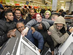 Want to avoid crowds like this on Black Friday? Then use Google's new tool.
