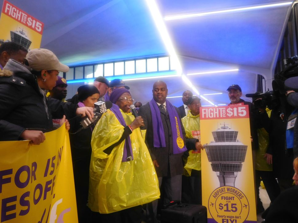 Elected Officials Stand With Workers at Newark Airport Fight for 15 Rally