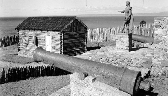 circa 1955: The fort of Fuerte Bulnes at the southern tip of the American continent. The statue of Manuel Bulnes, General of the Wars of Liberation and President of Chile in 1841, stands beside old cannons at the fort.