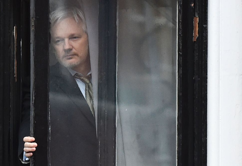 Rand Paul and Dana Rohrabacher Pressure Julian Assange to Divulge Wikileaks Source