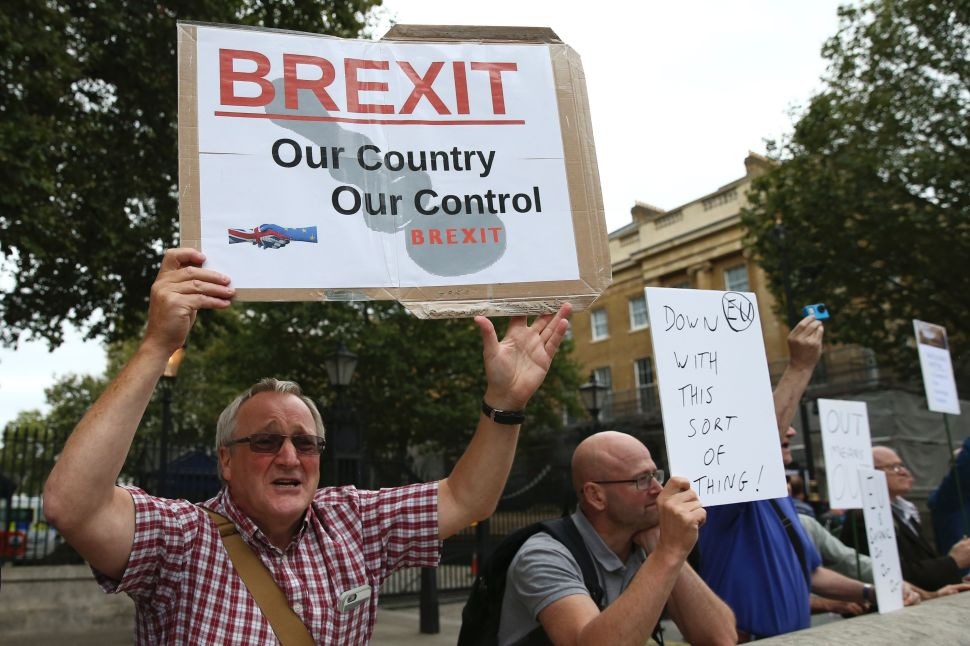 Britain Plunged into Constitutional Crisis as Courts Stop Brexit