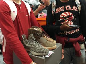 Sneaker Con.